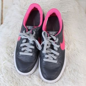Nike || Gray/Pink Multi-Color Athletic Sneakers